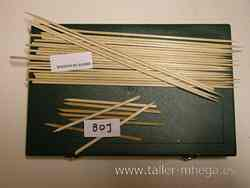 palos de boj o hisopo de bambú